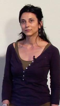 ALICIA PONZIO. TEACHES SCULPTURE FROM MEMORY