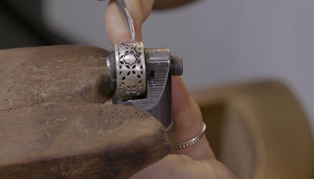 1.-Grabado-parte-central-del-anillo