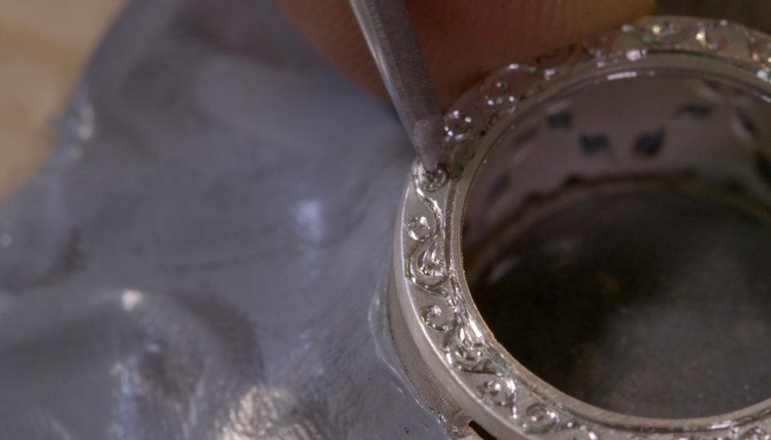 2.-Grabado-caras-laterales-del-anillo