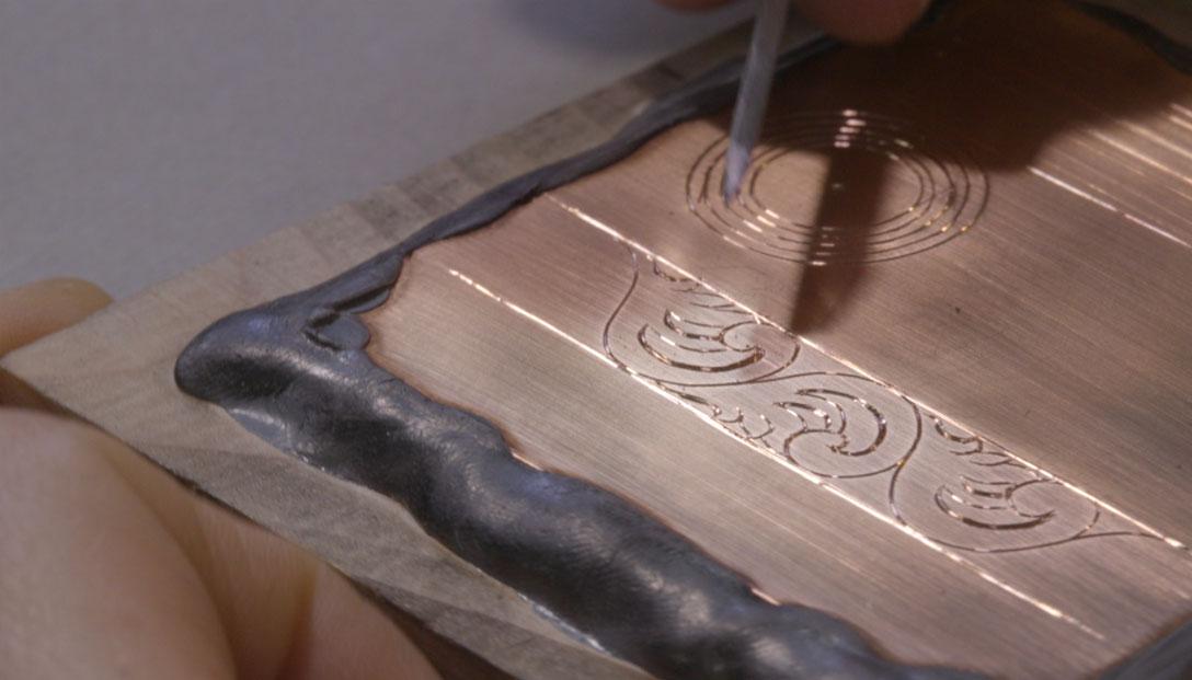 5.-Diseño-Florentino-corridietro-en-papel-y-metal